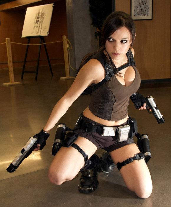 Sexy_Lara_Croft_Cosplay-s812x983-344104-580