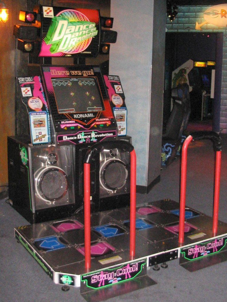 tgs-dance_dance_revolution_north_american_arcade_machine_3
